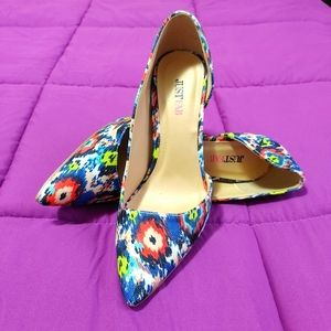 Just Fab side cut out floral pointed toe pumps